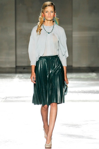 prada, leather skirt