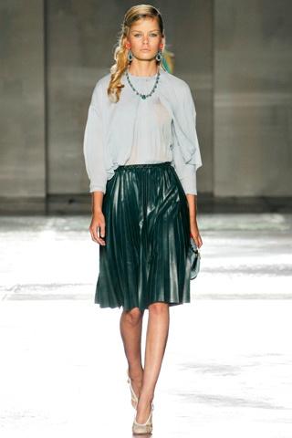 prada, leather skirt