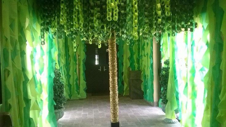 Vines Hanging Down Are Cheap Plastic Tablecloths Paper