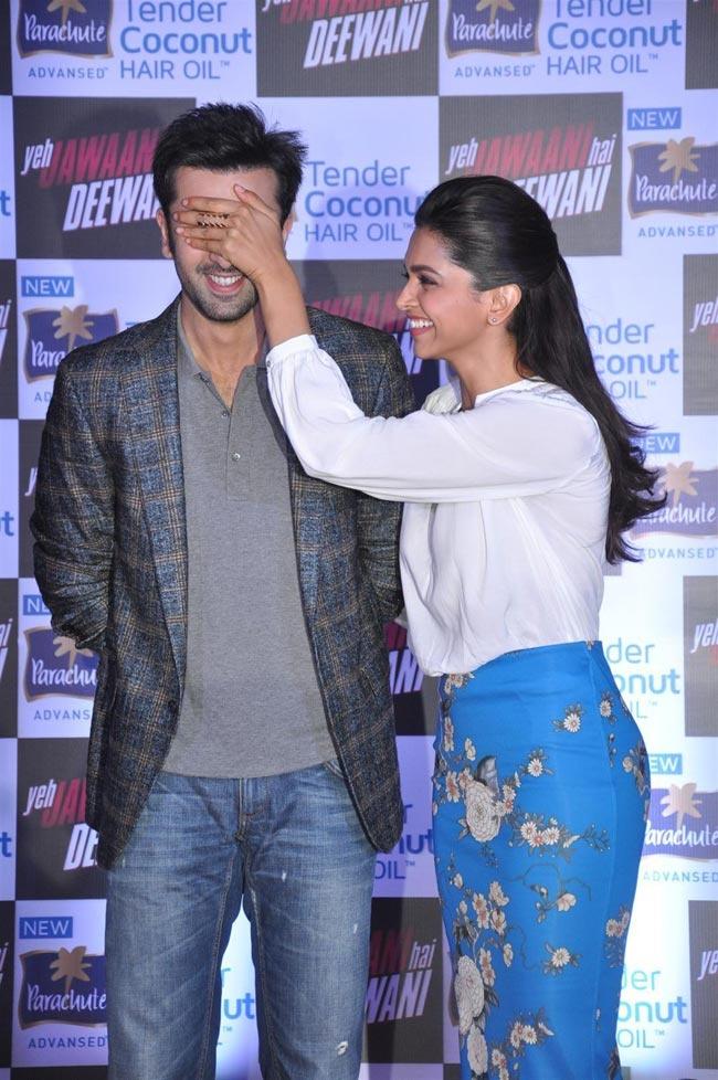 Ranbir Kapoor & Deepika Padukone @ YJHD Parachute Advansed Tender Coconut Hair Oil Event