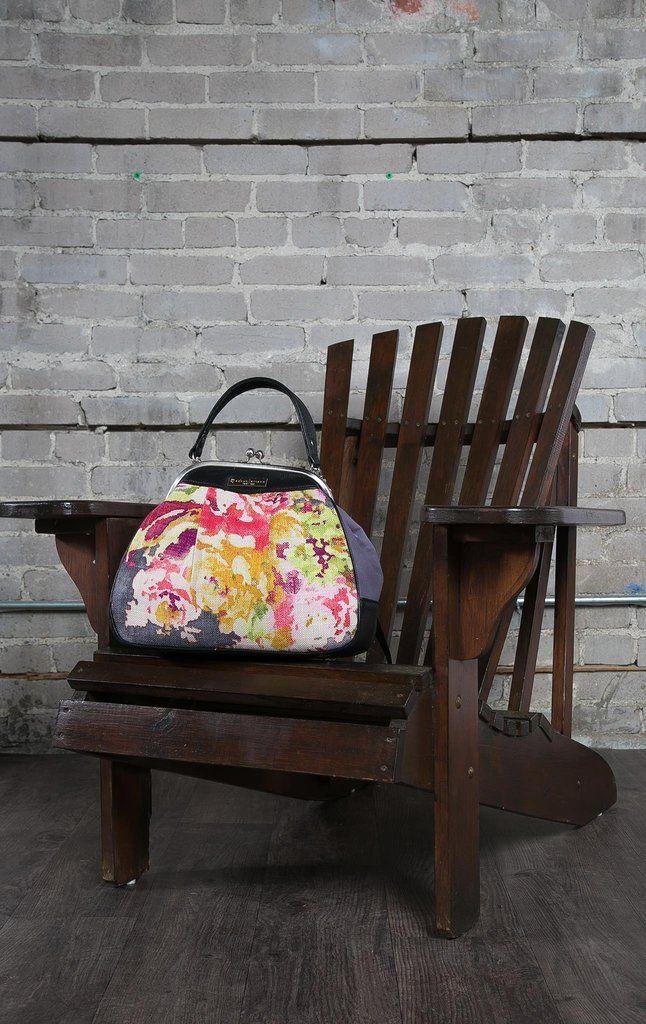 Indigo/cranberry frame bag