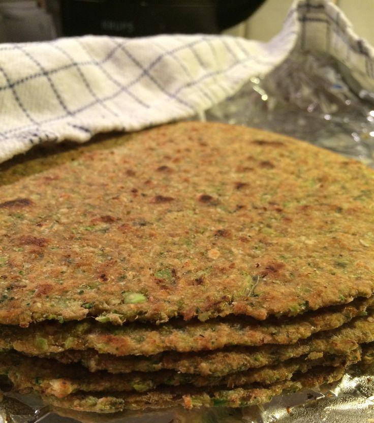 Brokkoli parantha er oppskrift på tradisjonell indisk brød som spises til frokost, men denne oppskriften er med en utradisjonell ingrediens, brokkoli.