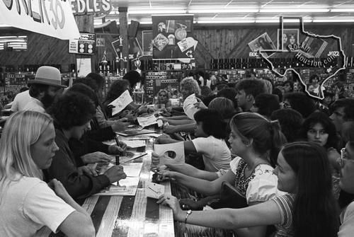 Foreigner, Sep 30, 1978, Sound Warehouse