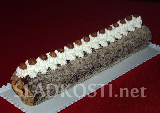 Oříšková roláda s tatrankovou náplní