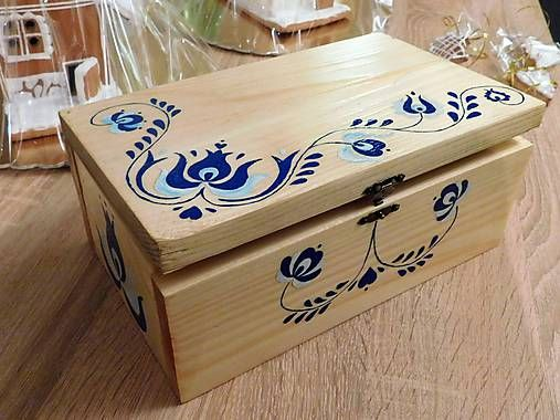 RebekaP / Modrá krabica