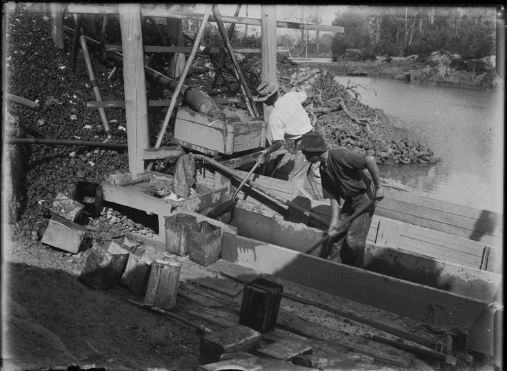 008607PD: Tin sluicing, Greenbushes, 1922 http://encore.slwa.wa.gov.au/iii/encore/record/C__Rb2090927?lang=eng