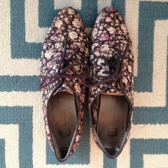 Brown Floral Oxfords These oxfords are a must to add to any outfit. The color is versatile and matches with almost anything. Almond toe shape. The bottoms of the shoes are a little worn, but the canvas top is in really good shape. I love wearing these with skinny jeans or skirts! Forever 21 Shoes Flats & Loafers