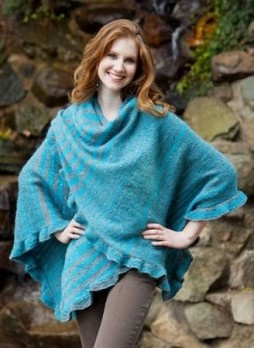 Free knitted wrap pattern.... Adding to my list of must knits :0)