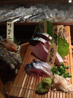 サロンの近くにある炉端焼きのお店に行ってきました 活気あふれていてお魚おいしかったです 日本酒ハマりそうです  ろばた 五 092-711-5455 福岡県福岡市中央区薬院2-17-26 1F   tags[福岡県]