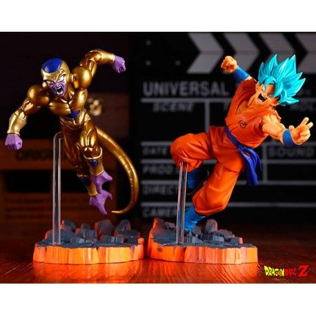 Figuras Dragón Ball Goku Super Saiyan Dios y Freezer Dorado.