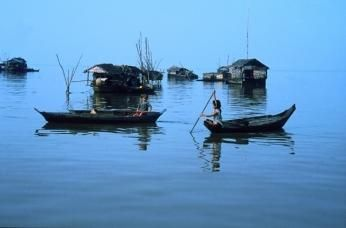 Flydende landsby på Tonle-Sap i Cambodja