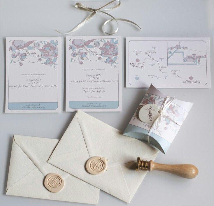 Inviti, mappa, buste e la scatola per i confetti realizzati da noi per il nostro matrimonio www.lorenzoesara.com