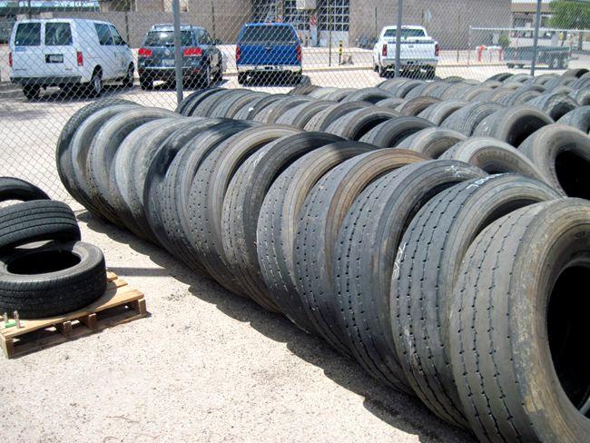 315/80R22.5 İkinci El Kamyon Lastiği http://www.hurdalastik.net/yarasiz-ikinci-el-cikma-31580r22-5-kamyon-lastikleri/