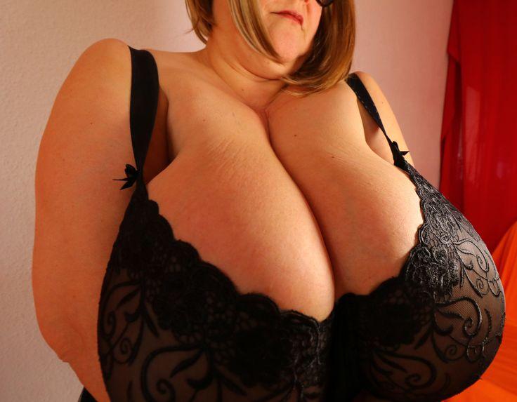 Huge boobs from amateur mature SSBBW sex Maja Magics