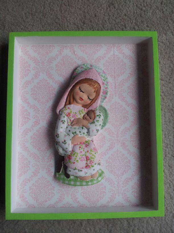 linda virgencita con bebe para un baby shower para bautizo para primera comunion, se hacen a pedido  y del color deseado