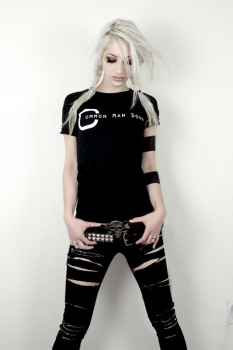 Have some black skinny jeans im gonna do something like this...but i think im gonna cut one leg off into shorts