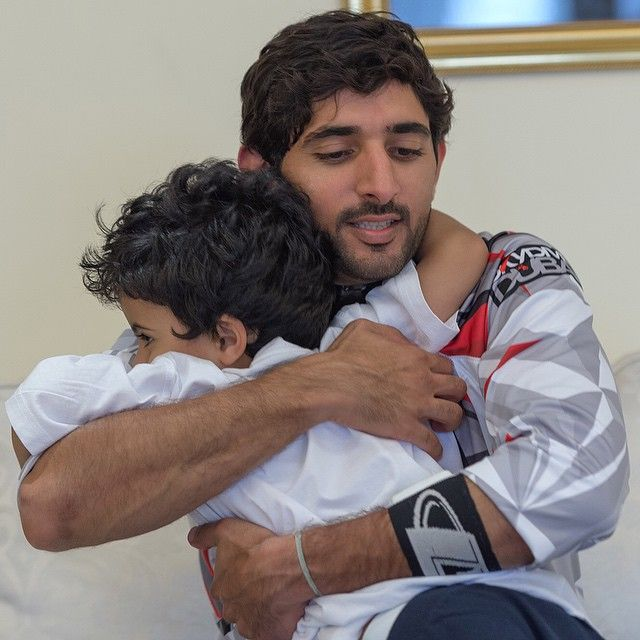 11/8/14 Skydiving with Faz3 and friends at Skydive Dubai PHOTO: aj6544 ___Mohammed gives Faz3 a hug after the jump