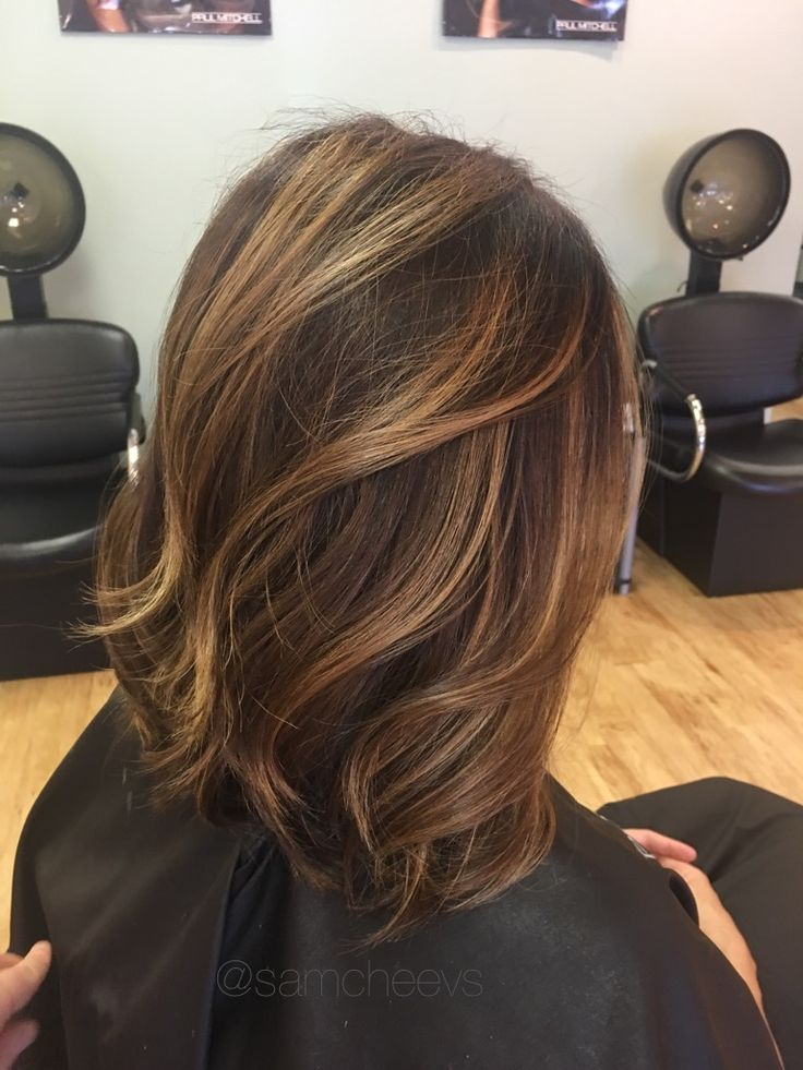 Summer sandy blonde beige caramel warm golden butter honey balayage highlights for brown hair types// Caucasian / Asian / Indian / Hispanic / ethnic hair types