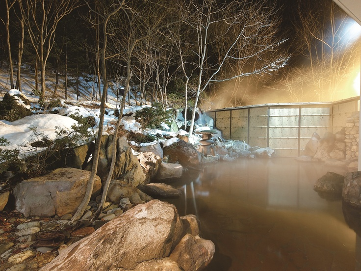 松川国有林に源泉を持つ単純硫黄温泉。新陳代謝を高める美肌の湯として女性に人気があります。