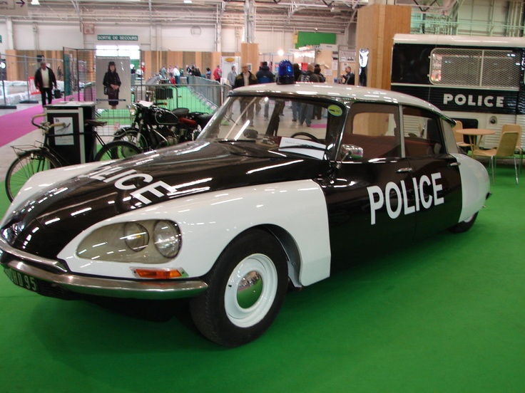 Citroën DS police car, more at www.PoliceHotels.com
