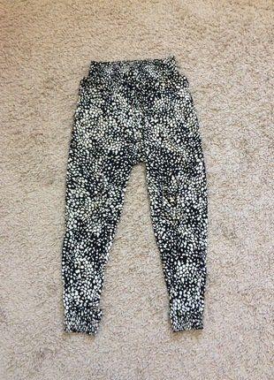 À vendre sur #vintedfrance ! http://www.vinted.fr/mode-femmes/pantalons-imprimes/30967987-pantalon-fluide-noir-et-blanc-hm