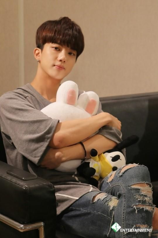 Youngjae for Naver Starcast