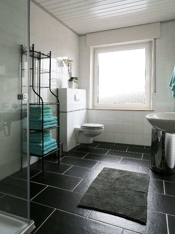 I Love This Little Bathroom With Its Turquois Towels... | Http:/