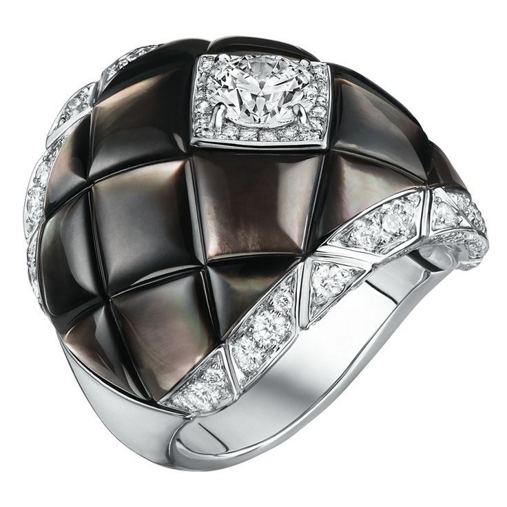 """Signature De Nacre"" bague / Chanel"