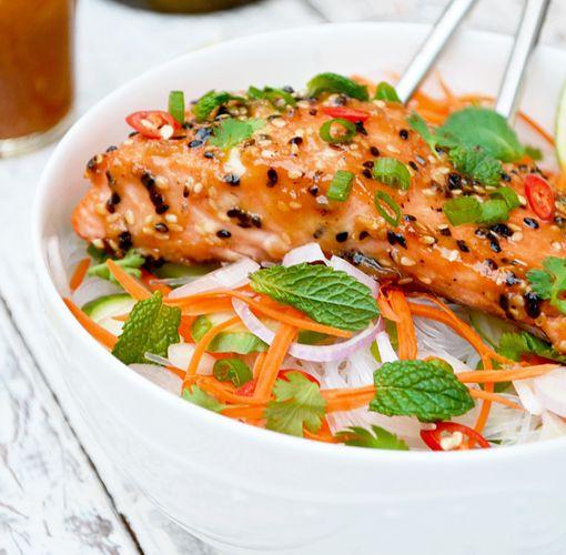 Saumon au Miso et Sésames avec Salade de Vermicelles