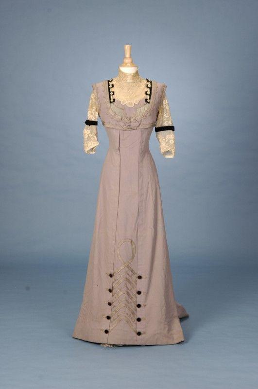 1910  Ladies Suit with Provenance American Trousseau - Fine Antique Fashion