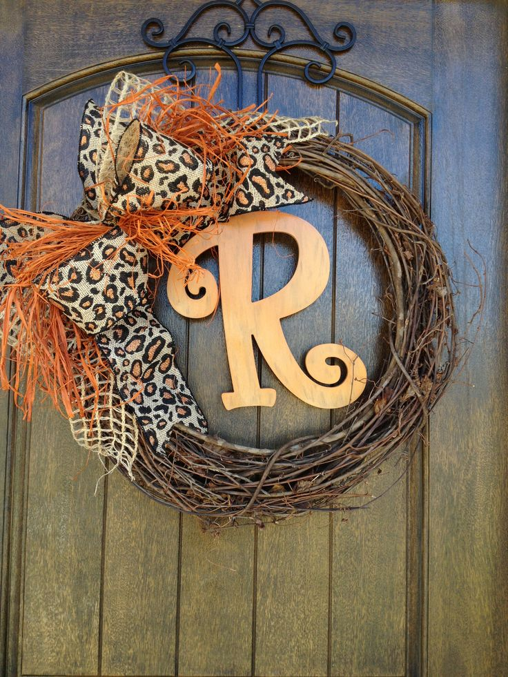 Fall Wreath. Gorgeous! You could just change the bow depending on the season.