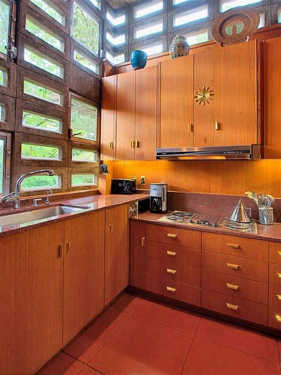 Frank llyod wright house ohio buildings pinterest for Frank lloyd wright kitchen ideas