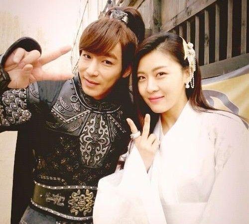 Ha Ji Won (Nyang) and Jin Yi Han (TalTal) Are Friendly off the Drama Set