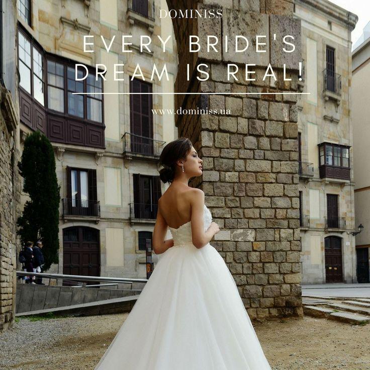 У невесты много забот😊 Выбрать место для церемонии, найти визажиста, заказать ресторан, выбрать туфли, выбрать свадебное платье и многое другое) Кстати, вы уже выбрали свадебное платье? Нет? Чего же вы ждете, пишите скорее нам и королевское платье будет выбрано за считанные минуты!❤️  #weddingday #beautiful #fashion #model #amazing #style #weddingfashion #photographer #bridalfashion #couture #weddingblog #невеста #свадьба #свадебноеплатье #свадебныеплатьяопт #wholesale #instabride…