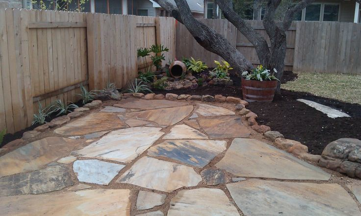 oklahoma flagstone patio set in decomposed granite with a