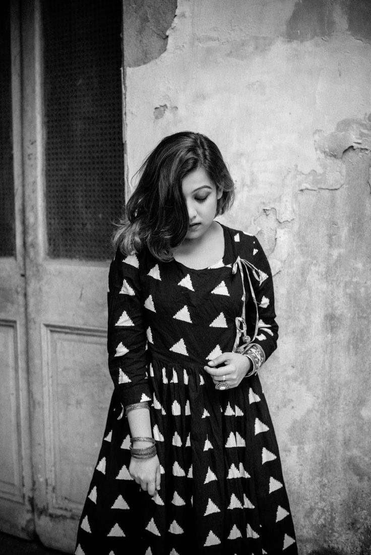 quirk fashion blogger stylist misschaos kolkatablogger editorial shoot fashionblog blackandwhite