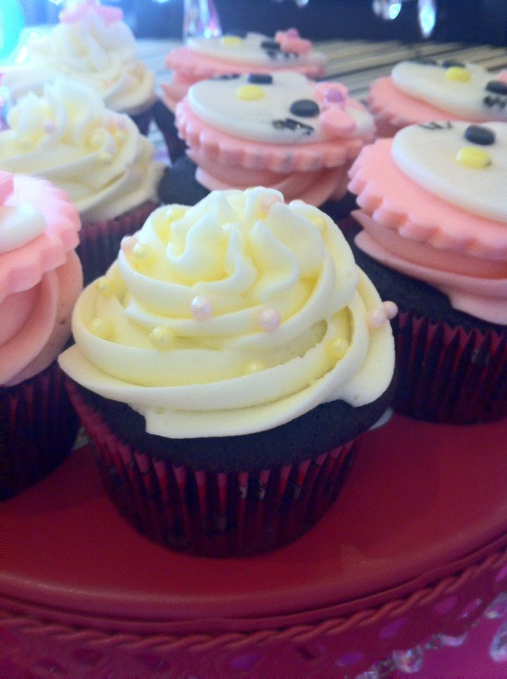 Chocolate cupcake with buttercream frosting - simply blissful -