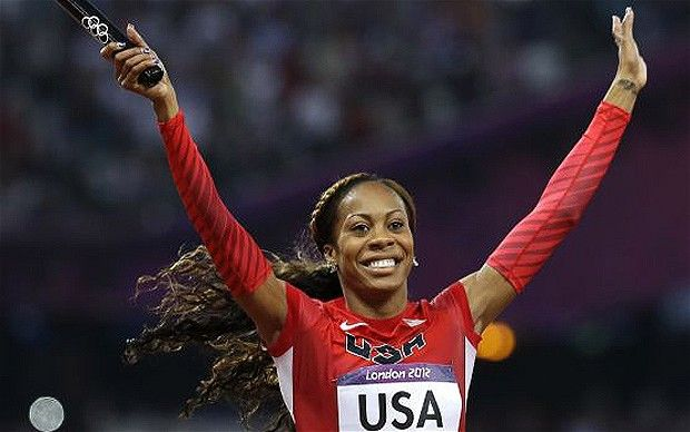 USA women cruised to victory in the 4x400m relay to take gold!