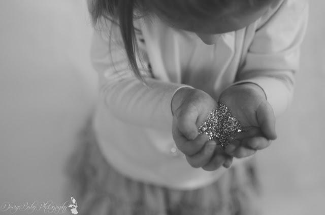 Glitter photo shoot  https://www.facebook.com/DaisyBabyPhotography