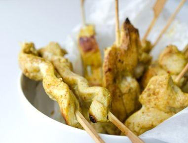 Curry-Kokos-Huhnspieß