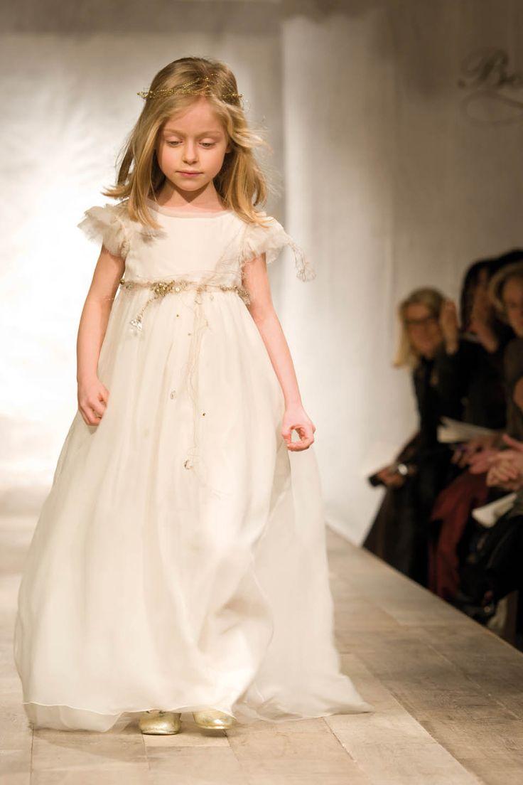 les 25 meilleures id es de la cat gorie robes de fille de la campagne sur pinterest robes. Black Bedroom Furniture Sets. Home Design Ideas