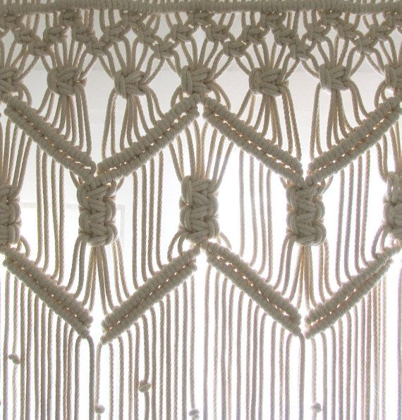 Short Macrame Curtain made with Beige/Cream Cotton Rope. Dimensions in the photo: W120cm x L90cm ~ W47x L36 Picture no.2 is from a clients house!  It can also be made long and can used as a room divider, a wedding backdrop or window treatment and it can be made for a curtain rail. Please note that this is a made to order curtain and it can be made in various dimensions. If you wish so, you can contact me and we can proceed with a custom order! Id be very happy to help with price quotes and…