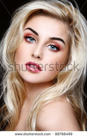 f0b43b8f2129b235f7ec36fbc6ca5139 - Lovely Blonde Hair with Brown Eyes and Eyebrows