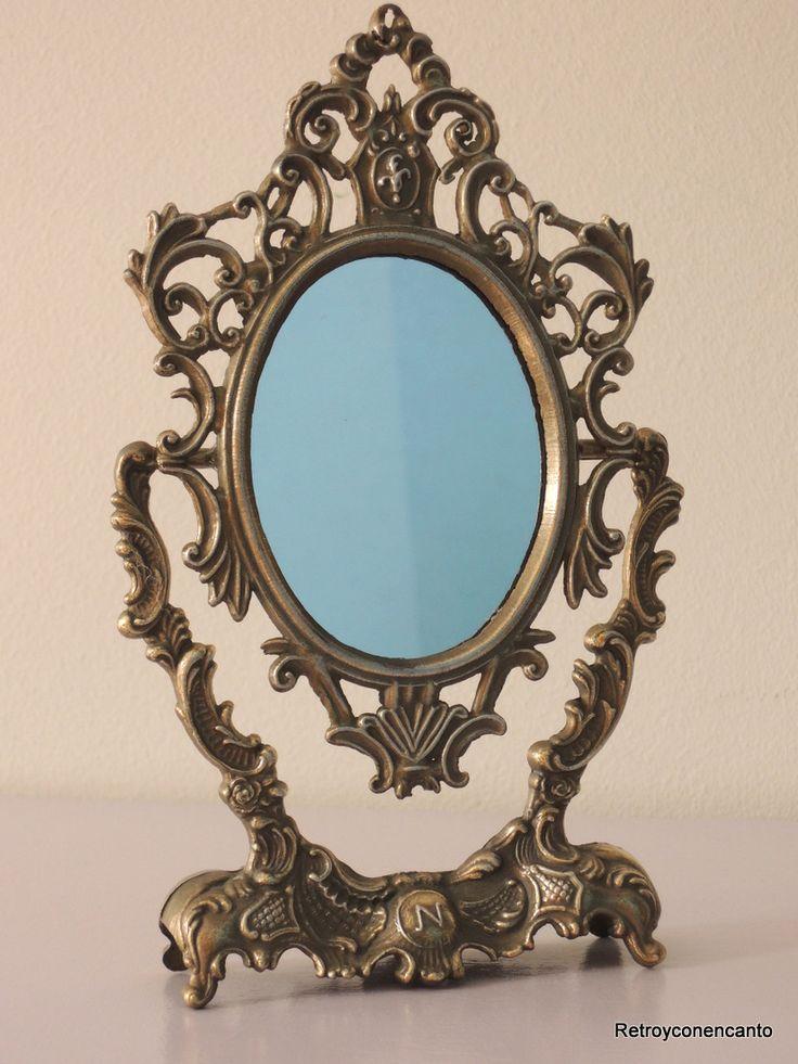 Coqueto antiguo y peque o espejo de tocador en bronce for Espejos pequenos vintage