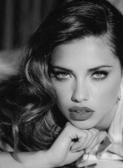 ADRIANA LIMA- Old hollywood