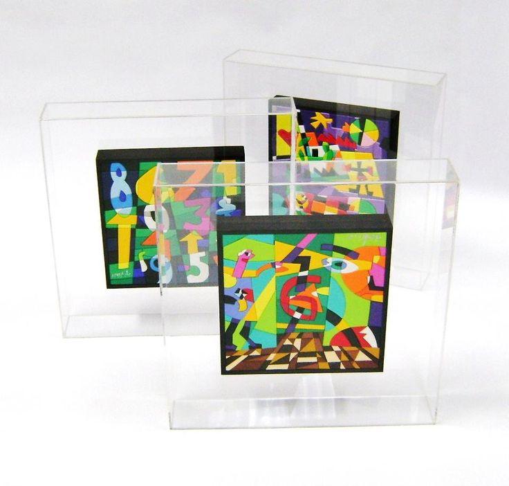Plexform realizza teche in plexiglas per opere d'arte