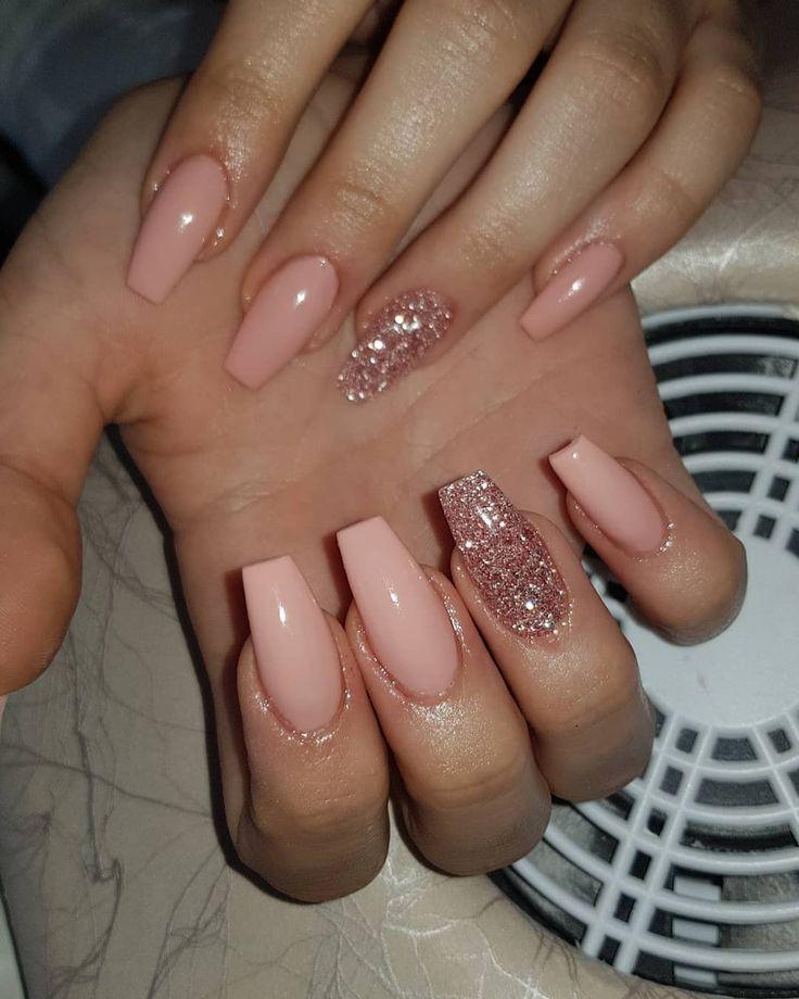 Pastellgartenrose mit gemischter Glitzer-Mode # Fashionnails #gelenaglarstockhol…