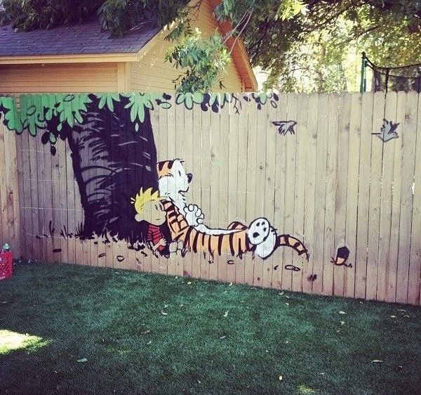 Calvin and Hobbes fence. I so want to do this someday when I have kids!