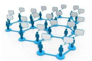 ¿Por qué usar Twitter en tu estrategia de comunicación? 5 razones para tener un perfil en Twitter. Twitter, una de las redes sociales más famosas, es un medio muy interesante para fomentar tu marca o empresa. Gracias a sus mensajes de 140 caracteres se ha vuelto muy fácil compartir la información.
