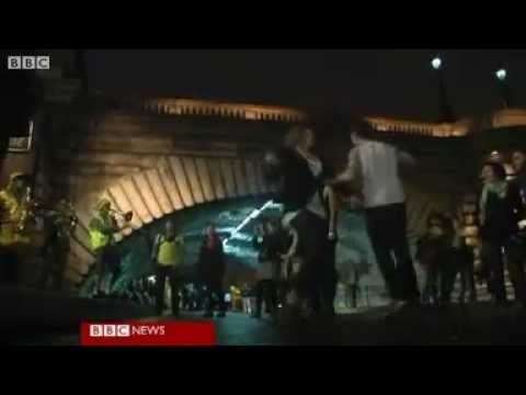 White Night festival or Nuit Blanche in Paris - YouTube